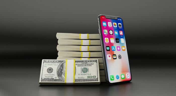 Apple Reaches 1 Trillion Dollar Value